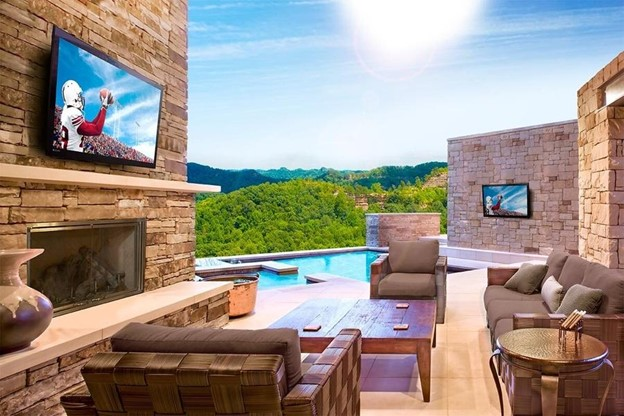 Make The Most Of Your Backyard With Outdoor Entertainment Technology