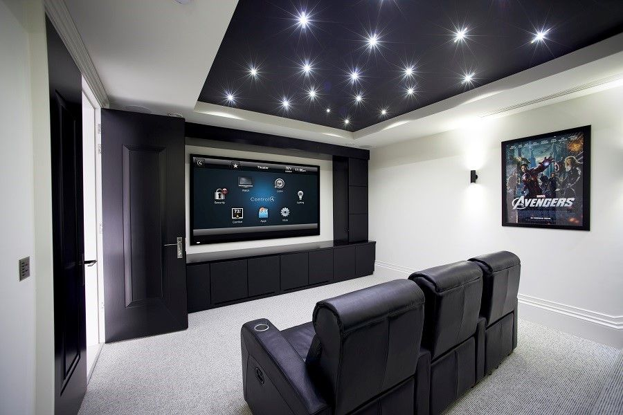 The Best Home Theater Features for the Ultimate Football Fan