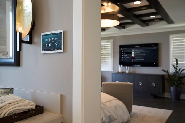 Top Reasons to Make Your House a Smart Home